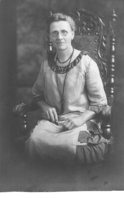 Ella Duntemann Henges (1865-1949) Date unknown; probably 1920s