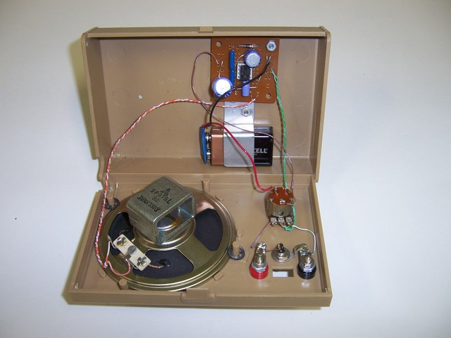 Inside view of the LM386 audio amp. I don't know what the plastic box was originally for, but it had a speaker in it and I got it for a dollar at the Flagstaff hamfest.