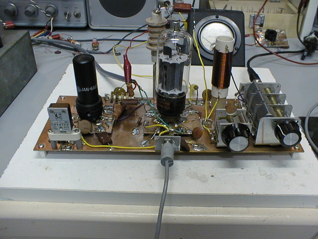 9/97: Close-up of the 6DQ5 lashup. The black metal tube is a 6AG7 in a pierce oscillator.