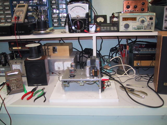 9/2005: 6T9 stereo amp on my test bench, almost finished.