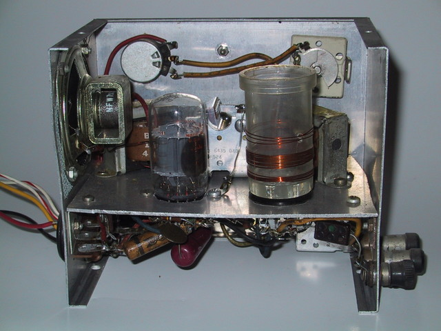 Rear view of the 6AF11 all-wave receiver.