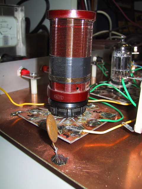 12/2004: This shows how I breadboard tube projects. This receiver didn't work well, but the breadboard technique allows fast changes.