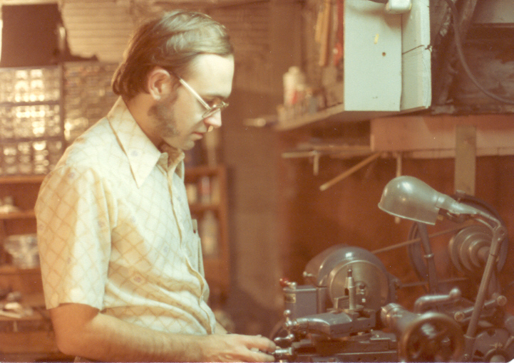 1978: I bought a nice little Logan change-gear lathe in 1976, but it stayed in Carol's folks' basement until we bought our own house in 1978. Using the lathe I was able to make parts for both my telescopes and my robot, Cosmo.