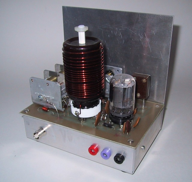 1/2000: This is the Tinderbox, a 7-watt CW transmitter based on a single 6T9 Compactron tube.